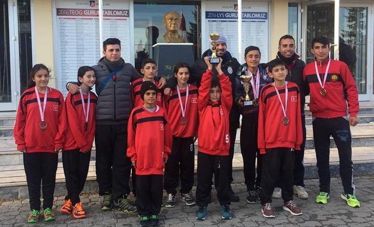 m.kaplan kros 2 - Mehmet Kaplan Ortaokulu Kros Yarışması