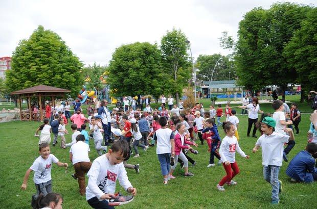 sivrihisar cocuk oyunlari - Çocuklar Oyunlarını Dünyanın Merkezi Sivrihisar'da Oynadı